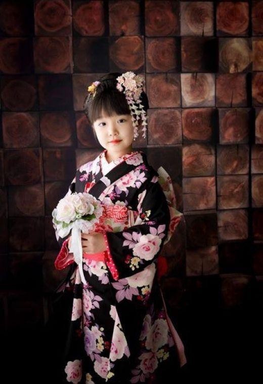 kimono and kanzashi
