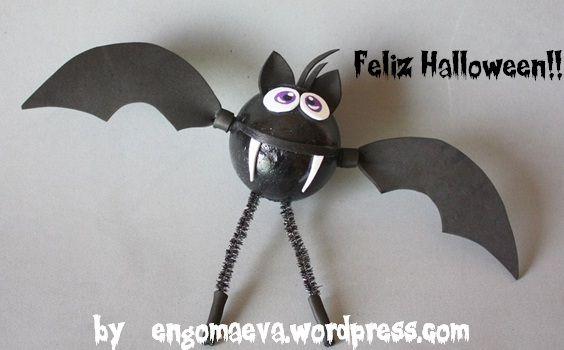 Halloween: Black Bat, hand made. Done with paper eva.