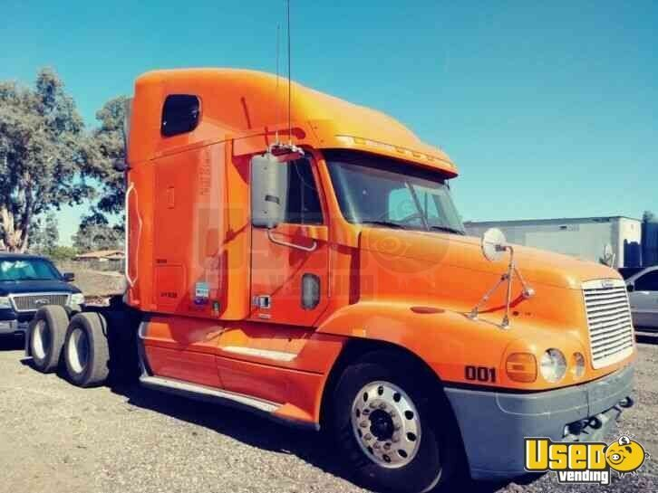 2002 Freightliner Century Classic Used Sleeper Cab Semi Truck For Sale In California Semi Trucks For Sale Trucks For Sale Semi Trucks