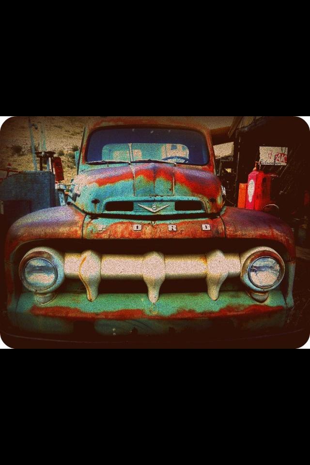 Old ford truck - www.ZeckFord.com #ZeckFord #FourthOfJuly #ThrowBackThursday