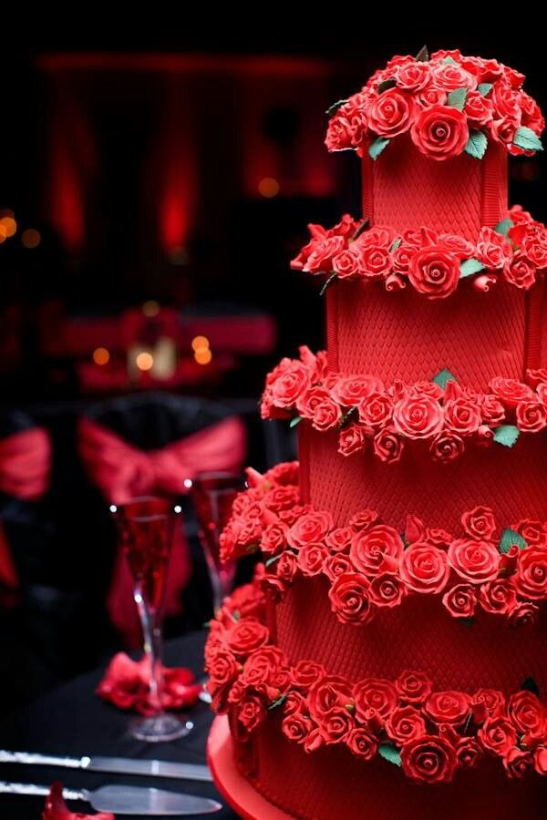 Red Colour Cake Images : Beautiful Red Wedding Cake with Roses ?Red? Pinterest