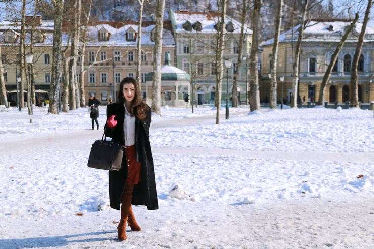 LJUBLJANA Fashion blogger Veronika Lipar of Brunette From Wall Street sharing her Friday lunch date outfit