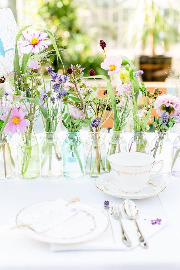 die besten 25 blumen august hochzeit ideen auf pinterest brautparty blumen lila. Black Bedroom Furniture Sets. Home Design Ideas