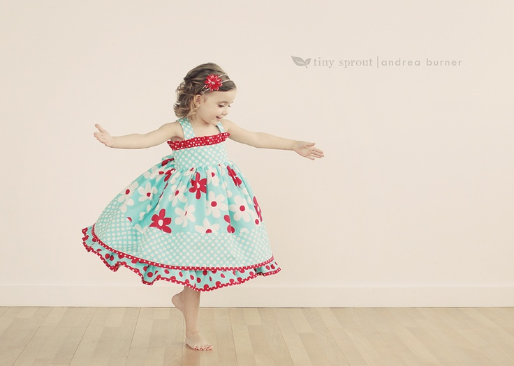 Too cute little girl pose.