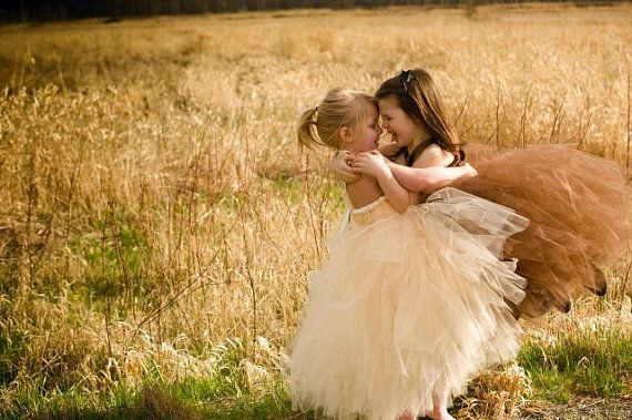 I am in love with these flower girl dresses!! <3.
