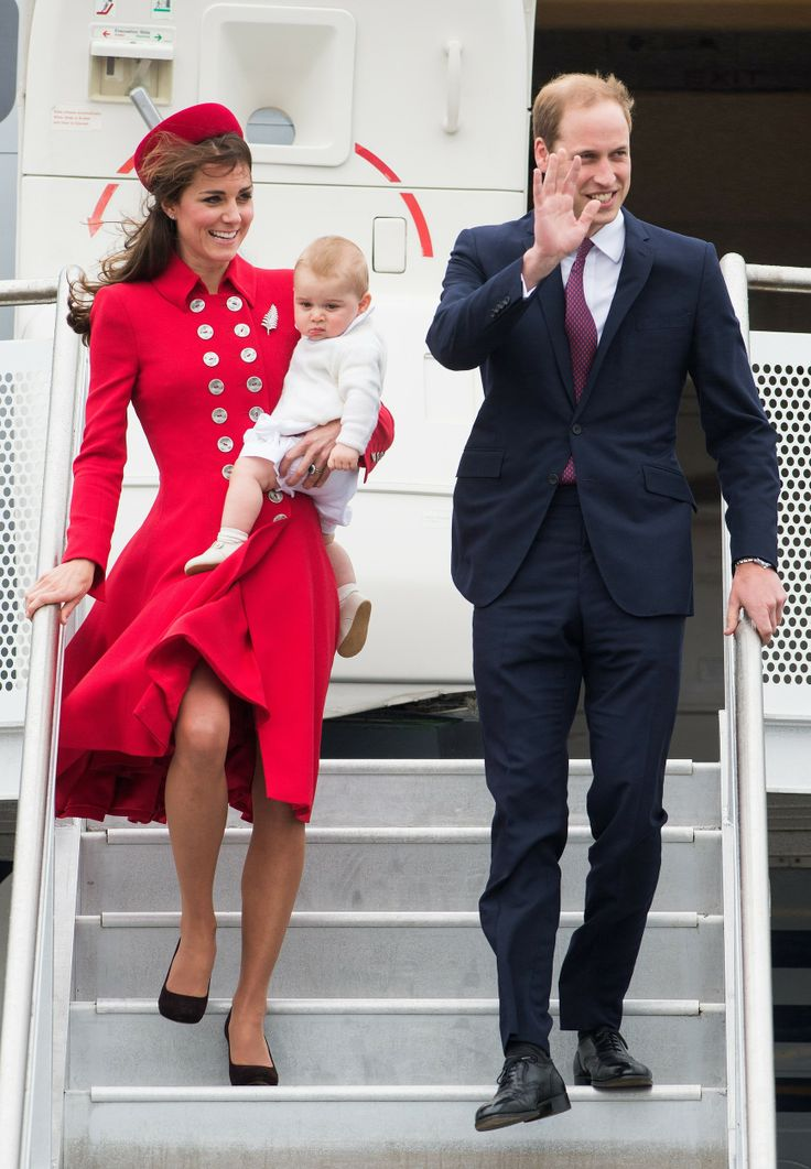 Kate in Catherine Walker | All the stunning looks of Kate Middleton's tour down under http://aol.it/1rtBxhy
