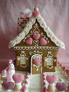 Beautiful Love Gingerbread House: Idea, Pink Christmas, Valentines Gingerbread, Sweet, Pink Heart, Valentines Day, Gingers Breads Houses, Pink Houses, Christmas Gingerbread Houses