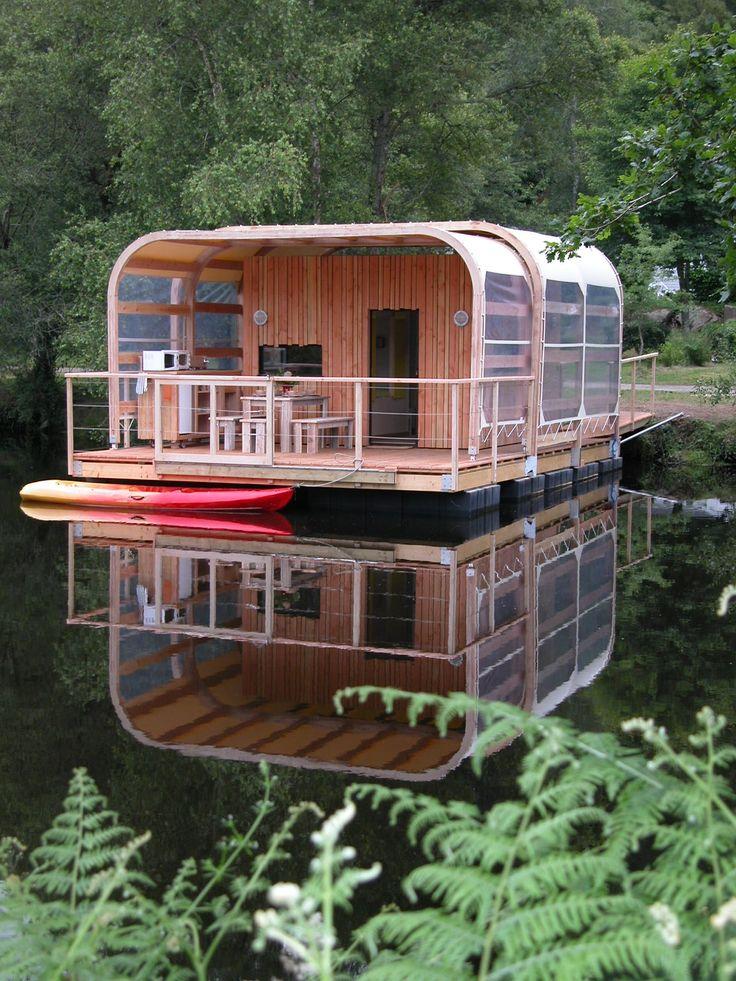 Habitations et écolodges flottants et insolites