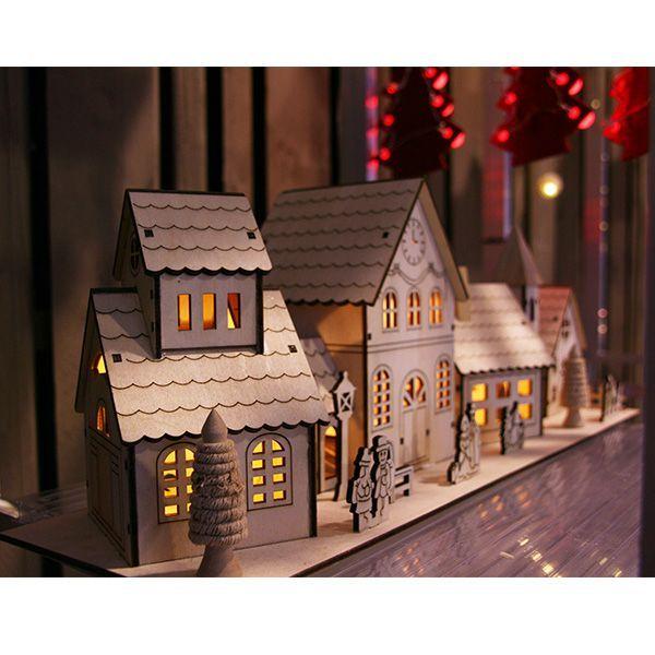 Village de no l miniature en bois illumin no l bio et - Idees deco ete pour un decor frais et joyeux ...