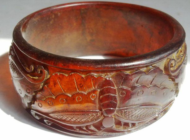A Tibetan Amber Bracelet