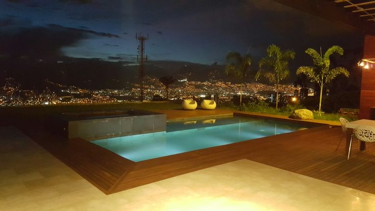 Visual a Medellin piscina