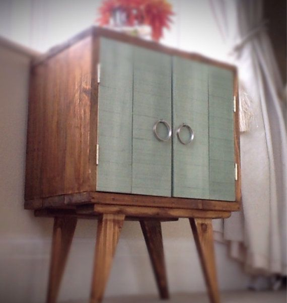 Rustic-bedside-cabinet-recycled