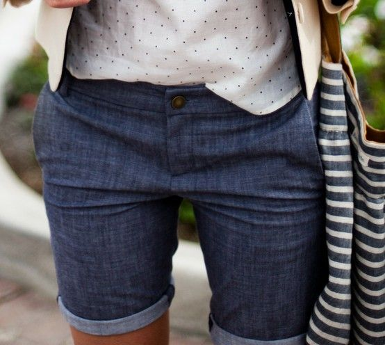 Denim, sans cutoffs (shudder)  with a cute spotty top. Nice