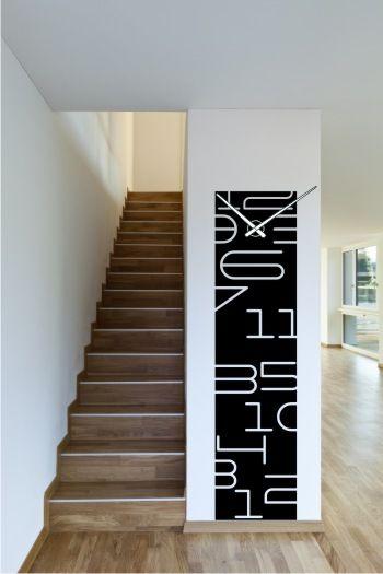 Reloj de pared vinilo decorativo collage de números.