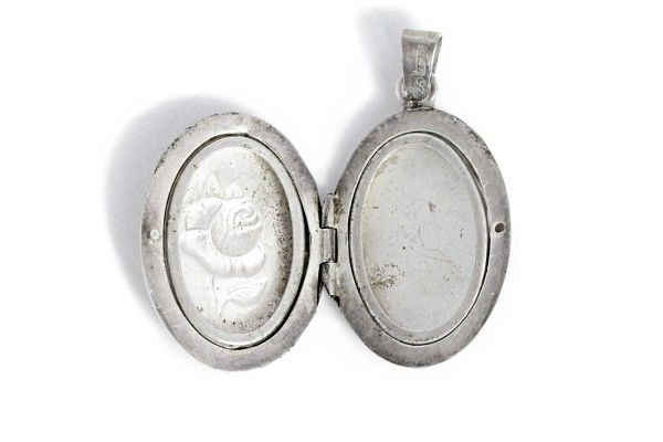 Photo Medallion Pendant Silver Jewelry https://tezsah.com/shop/en/jewelry/pendant/1615/photo-medallion-pendant-silver-jewelry
