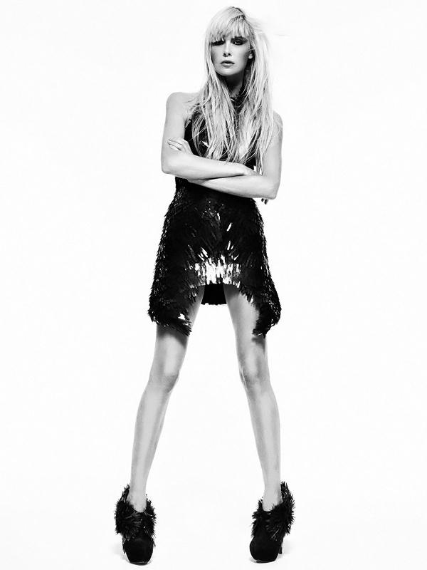 Dewi Driegen by Duy Quoc Vo: Black Coats, V Magazines, Dewy Driegen, Glamorous Photography, Iris Vans Herpen, Irises, Iris Van Herpen, Fashion Photography, Photography Inspiration