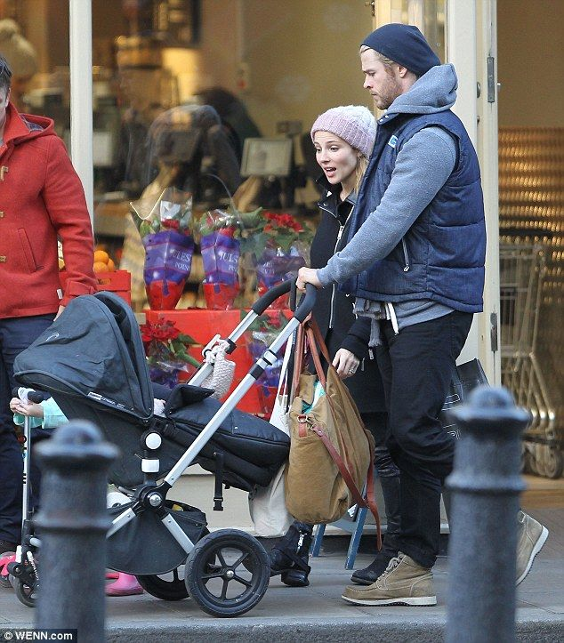 celebrities bugaboo strollers - Google Search Chris Hemsworth CAmeleon