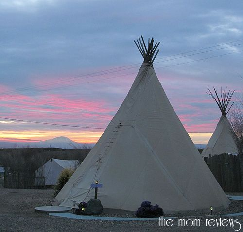 Sleep in a Teepee in Washington: Cherry Wood Bed, Breakfast, & Barn Review #VisitYakima