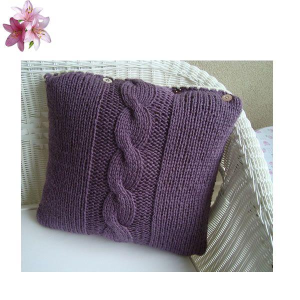 saç örgüsü düğmeli çift taraflı dekoratif yastığımız..istenilen renklerde sipariş üzerine üretilir.