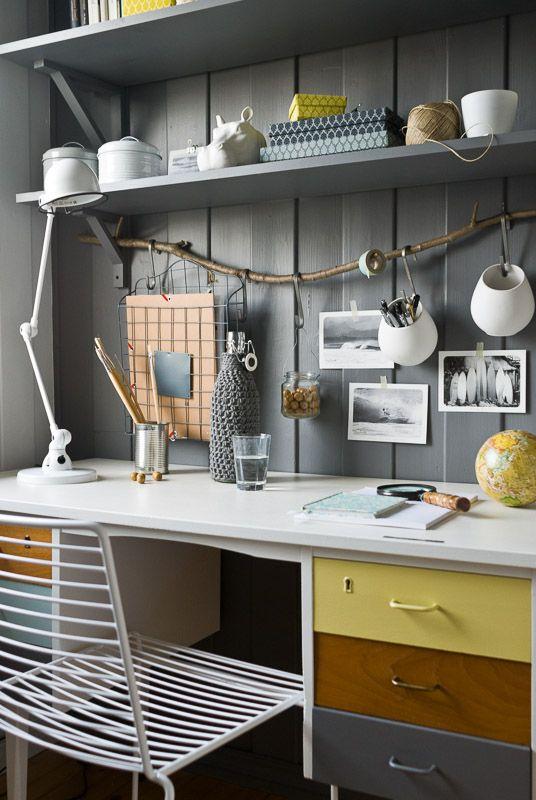 Joli bureau gris/jaune/blanc