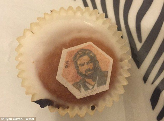 Can you tell the difference? The cupcake in question (pictured above) was meant to depict Ewan McGregor as his Obi Wan Kenobi character but Twitter users thought it looked more like Noel Edmonds of Deal or No Deal