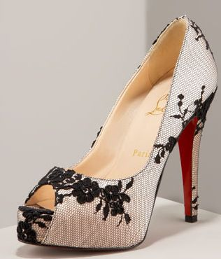 What women want?Definitely this shoes.showing the atmosphere of women