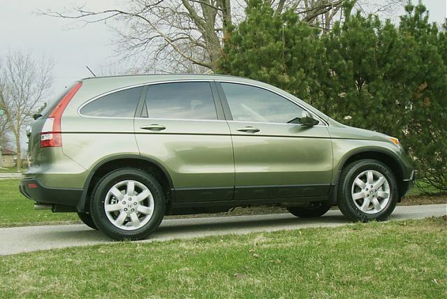How cute would it be to get my dream car and dress it up as tinkerbell? So cute.   green honda crv | 966d1208647669-my-new-green-tea-metallic-cr-v-2008-honda-cr-v.jpg