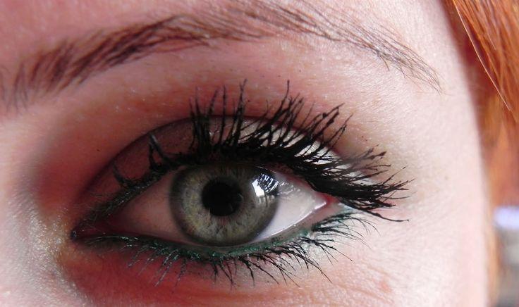 Yeşil Gözler İçin Makyaj - http://www.bayanlar.com.tr/yesil-gozler-icin-makyaj/