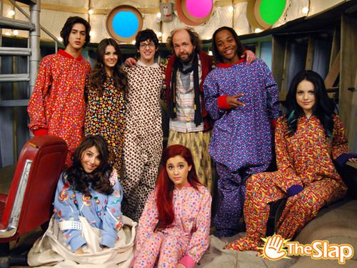 Beck, Tori, Robbie, Sikowitz, Andre, Jade, Cat and Trina