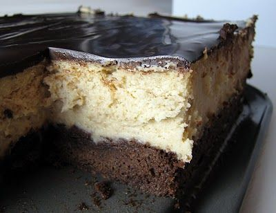 Peanut butter cheesecake with a brownie crustPeanuts, Cheesecake Bar, Peanut Butter Cheesecake, Sweets Cake, Brownies Bottom, Cheesecake Brownies, Peanut Butter, Peanut Butter Brownies, Crusts