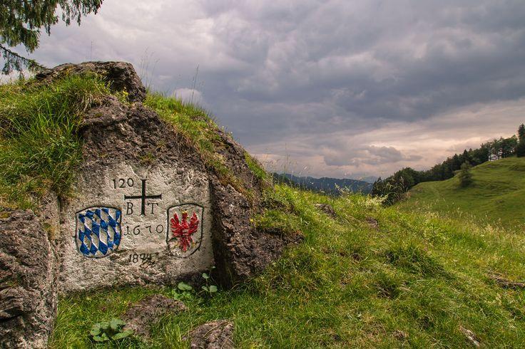 Grenzstein Tirol Bayern in Erl / Tirol