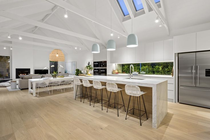 14 Irymple Avenue, Kew East VIC 3102, Image 1 floorboards....