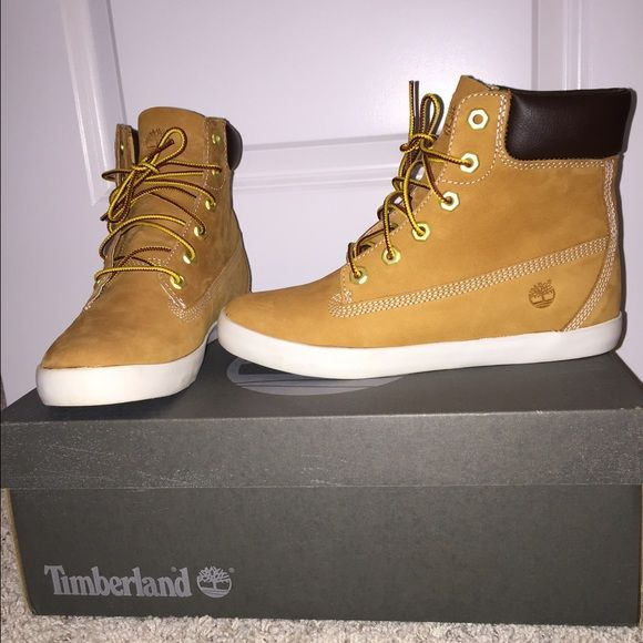 Timberland Women's Brattleboro 6-inch Boots Timberland Women's Brattleboro 6-inch Boots size 7 only worn once! Original box. Perfect condition. Timberland Shoes Winter & Rain Boots