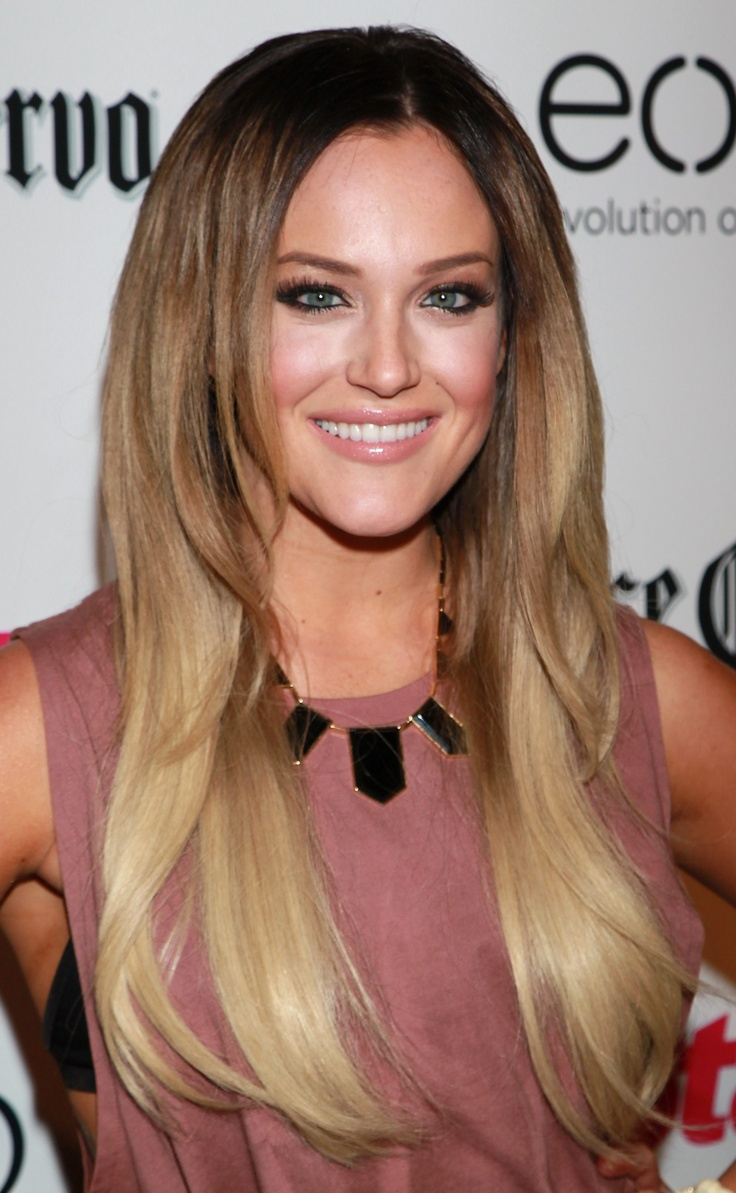 Ombre hair coloring: Ombre Hair Colors, Fur Coats, Hair Colors Ideas, Hair Coloring, Long Hairstyles, Haircolor, Beautiful, Hair Makeup, Hair Style