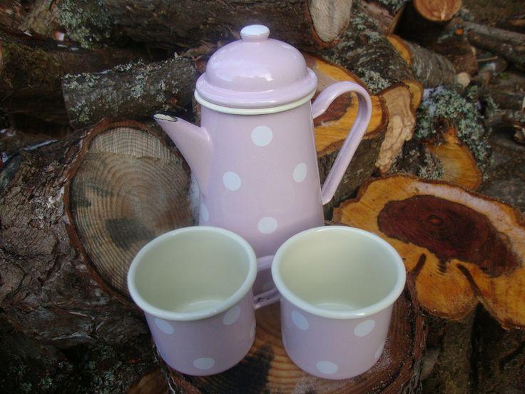 Emaille Kaffeekanne rosa Tupfen 1,2 Liter von Iluta Käfer - Naturprodukte aus Lettland auf DaWanda.com