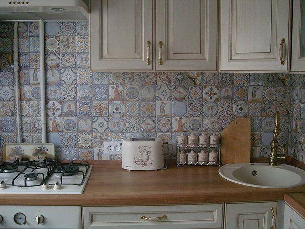 Рассказ Елены и Дмитрия из Минска: — Кухонька у нас совсем маленькая: всего 5,7 м2, квартира — в старом доме-хрущевке 1962 года постройки. Основной задачей было сделать кухню функциональной, уютной, …