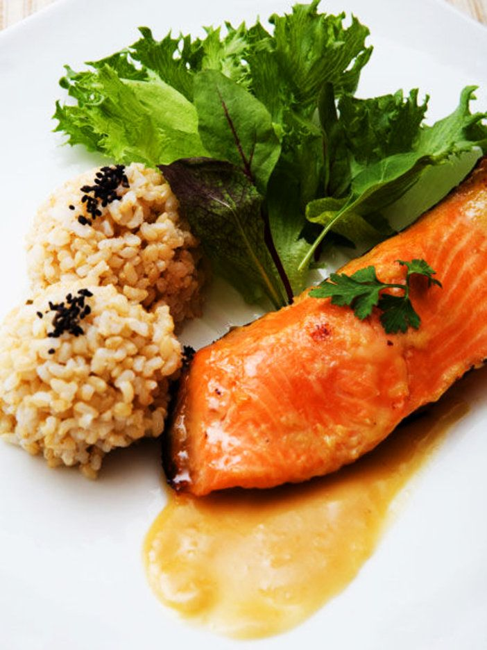 【ELLE a table】サーモンのジンジャーみそマリネ 照り焼き風レシピ|エル・オンライン