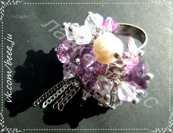 кольцо. аметисты. кораллы. стекло. акрил.  #nickelfree #лавкачудес