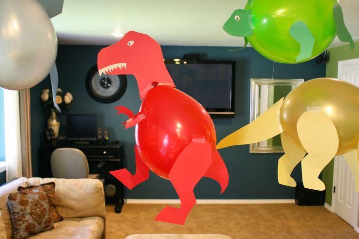 Dinossauros feitos de bexigas e papel Colorset - Dicas pra Mamãe: