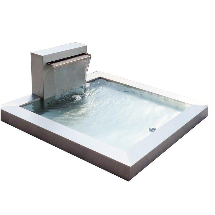 Edler Brunnen im Bauhausstil im zeitlosen Design.