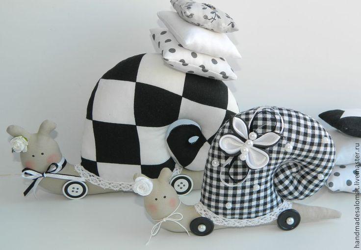 Купить Черно-белые улитки - Тильда улитка, улитка кукла, кукла ручной работы