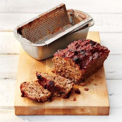 a meatloaf pan FOR THE GRILL from williams sonoma- i want to do this and eat this right now!