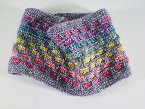 Ribbons of colour appear to thread through this cowl which is knitted in the round using a simple slip stitch pattern. This makes it lovely and warm and the eight shades of Batik yarn used for the ribbons make it colourful too. Love this free pattern