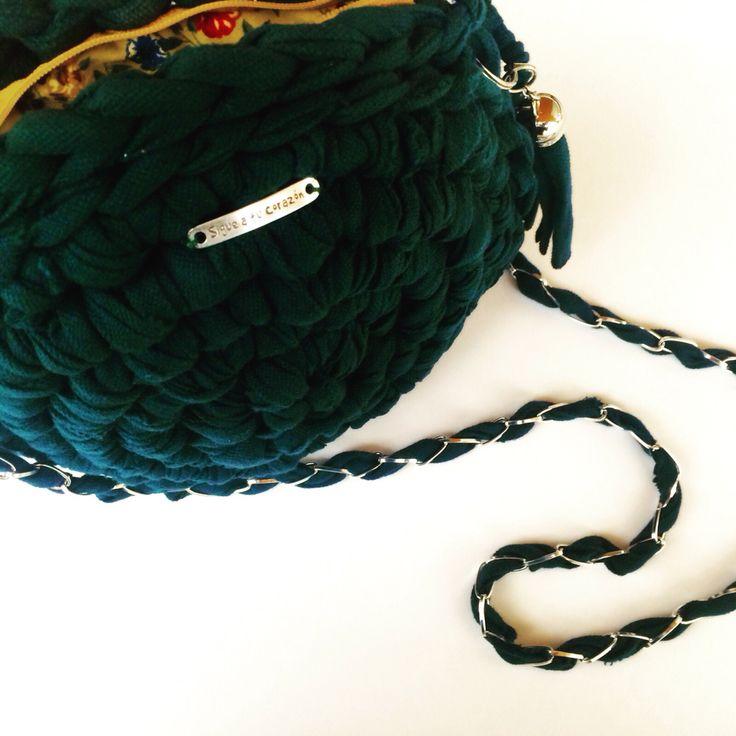 """Sigue a tu corazón""  trapilho #totora #trapillo #hechoamano #tejer #bolsotrapillo #bolso #handmade #ganchillo #crochet #amano #unico #tshirtyarn"