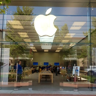 Apple Store Victoria Gardens Rancho Cucamonga. Great Service!