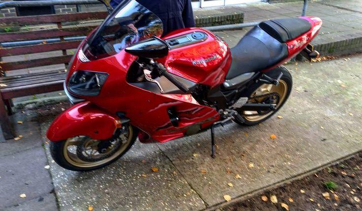 My Lecturers ZX12R  #Zx12r #motorbikemechanic #kawasaki #chicollege #beautifulbike #bikers #mechanics #beowolfexhaust
