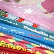 Sanaleikkikoulu Eilabertan perustaja antaa vinkit sanaleikkeihin kotona.