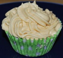 Recipes for cream cheese frostings, buttercream, Swiss meringue frosting.