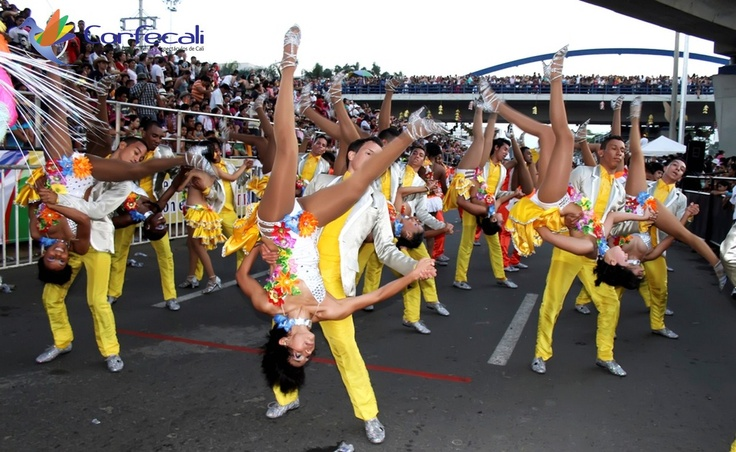 Bailarines de Salsa, Toda una leyenda y tradición en las ferias de Cali!!!