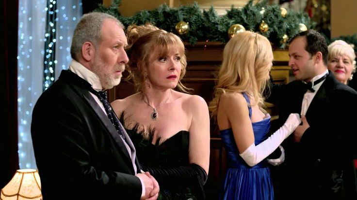 A Princess for Christmas (2011) HD /6 [optional subtitles in Spanish] <-- Kiss Scene Ahead! Squeeing will occur!!!!!!!